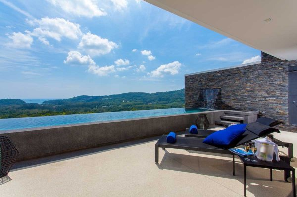 Layan Sea View Pool Apartments
